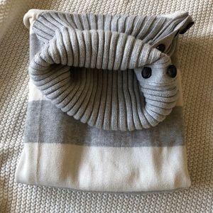 banana republic turtleneck sweater